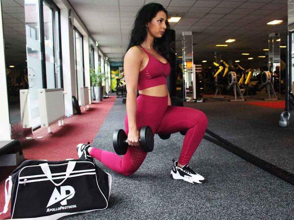 Lunges zijn goede oefening om je benen te trainen.