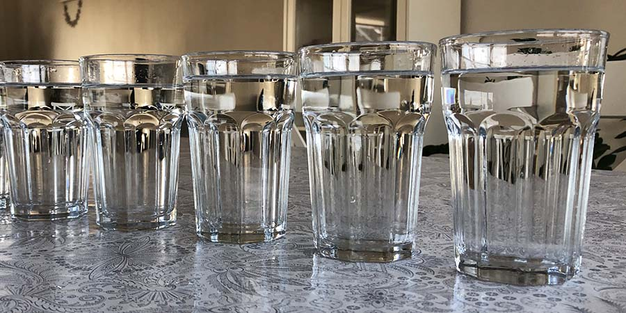 Hoeveel glazen water moet je op een dag drinken?