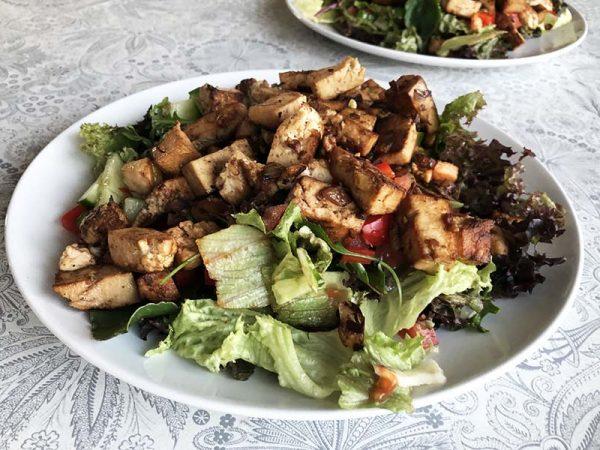 Heerlijke sport salade, boordevol gezonde voedingsstoffen